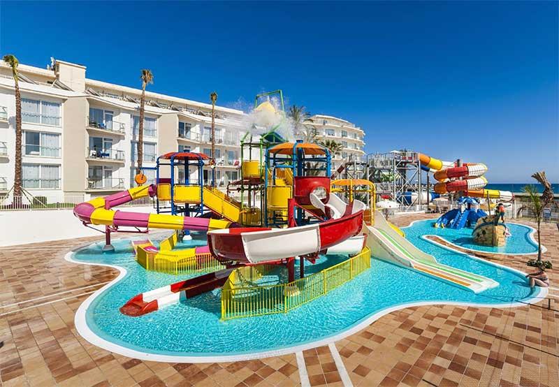 15 hoteles mejores para ir con niños estas vacaciones